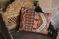 colonial pillow patterns