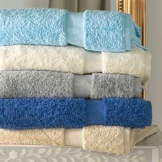 Red Barrel Studio Hiltonia Fingertip Towel Color: Champagne