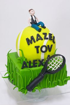 Tennis cake, this would be cool for jeremys grad party @Cindy sutton