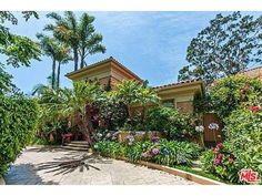 See this home on @Redfin! 351 Alma Real Dr, Pacific Palisades, CA 90272 (MLS #16-119354) #FoundOnRedfin