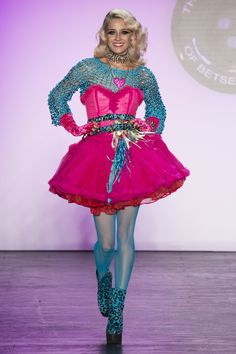 Betsey Johnson Spring 2016 Ready-to-Wear Collection Photos - Vogue