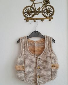 Baby Jacket  #elişi #elemği #knittersofinstagram #crochet #knitting #creative #mycreation #bebek #baby #like4like #breien #knittersofinstagram #crochet #crochetersofinstagram #etsy #fall #kidsstyling #instakids #kidsfashion by suham.x