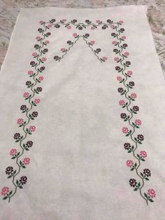 1 million+ Stunning Free Images to Use Anywhere Hand Embroidery Design Patterns, Easy Crochet Patterns, Baby Knitting Patterns, Cross Stitch Rose, Cross Stitch Borders, Cross Stitch Flowers, Muslim Prayer Mat, Cross Stitch Beginner, Yarn Shop
