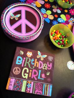 WIDNEY WOMAN: Mini Me's Peace Sign Birthday Party