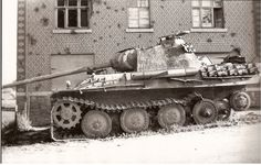 Destroyed panther tank