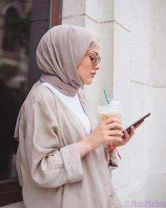 K aylar iin en kolay 15 earp al balama stili long sleeve party dresses with hijab Muslim Fashion, Modest Fashion, New Fashion, Fashion Outfits, Casual Hijab Outfit, Hijab Chic, Casual Outfits, Hijab Mode, Mode Abaya