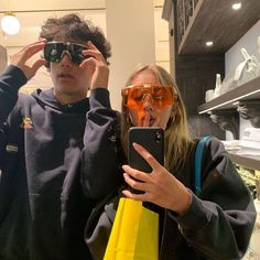 40 Sweet And Goofy Couples In Hoodies To Make You Wanna Fall In Love Right Now - Page 32 of 40 - Lecker. Goofy Couples, Cute Couples Goals, Teenage Couples, Couple Goals Teenagers, Relationship Goals Pictures, Cute Relationships, Couple Relationship, Photos Couple Mignon, The Love Club
