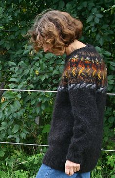 Ravelry: tricotant's Dreki (a new lopi-sweater) a personal pattern but I love the colors
