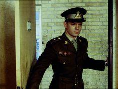 som løjtnanten 'RAS', i Soldaterkammerater på efterårsmanøvre 1961.