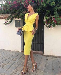 4aba82f4c4 Amarillo color tendencia esta temporada!! Ideal  tania.ayuso con vestidazo  de