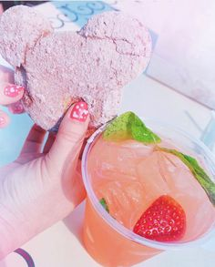 Strawberry🍓chocolate🍫beignets & a sweet strawberry julep! Sounds absolutely amazing! @minniedisneydarling shares some of the most incredible tips and tricks for Disney💜 . . . . . #disneyfoodie #disneyinsta #disneyworld #disneyland #magickingdom #disneylife #disneylove #ilovedisney #disneyblogger #disneyvacationclub #disneyvacationplanner #disneymagic #mickeymouse #disneyshirts #disneygear #disneyresorts #disneysnacks #cinderellacastle #disneyballoons #disneyfashion #florida #california…