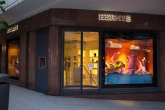 Paper Installation for Hermès Window Display in Buenos Aires – Fubiz Media