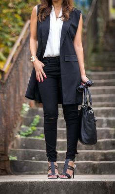 Casual summer outfits ideas chic and spring super outfits Sleeveless Blazer Outfit, Black Vest Outfit, Blazer Outfits, Vest Outfits For Women, Casual Summer Outfits, Clothes For Women, Formal Outfits, Work Clothes, Long Black Vest
