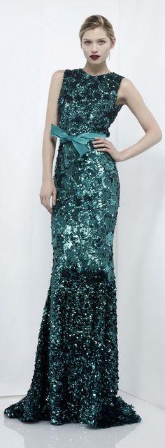 #Emerald gown / Zuhair Murad  #Fashion #New #Nice #SparkleDress #2dayslook  www.2dayslook.com