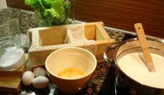 Kymenlaakson kotijuusto   Maa- ja kotitalousnaiset Länsi-Suomi Fondue, Cheese, Traditional, Baking, Finland, Ethnic Recipes, Bakken, Backen, Sweets