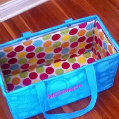 Another Thirty One utility tote liner tutorial, using vinyl to cover the cardboard so it becomes easy to wipe off.