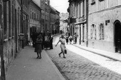 Tíz hely Pozsonyban, ahol egykor a legjobb pozsonyi kiflit árulták - Pozsonyi Kifli Bratislava, Dali, Street View, Scene, Stage