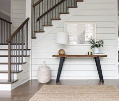Modern Farmhouse Decor Ideas 2018 Rustic Home Inspiration farmhouse interior white staircase with console table Flur Design, Home Design, Design Ideas, Design Design, Foyer Decorating, Decorating Ideas, Stairway Decorating, Interior Decorating, Modern Farmhouse Decor