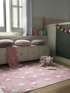 Punkt, Punkt, Komma, Strich ... kuscheliger Punkte Teppich in super Mädchen Rose.