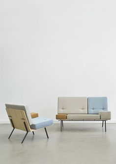 aust & amelung: a bench The undisguised construction of this upholstered bench reveals its aesthetic elements. The seat and the backrest of the bench are grooved, so that the cushions can be plugged into the construction with the help of a steel pin that is connected to the cushion. The thick, square seat cushions allow themselves to be arranged modularly, each change in their position always offers a new look for the bench.