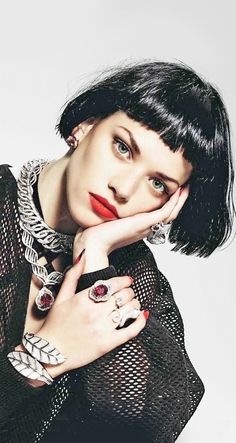 Jewelry...Red Lips....Chic Style