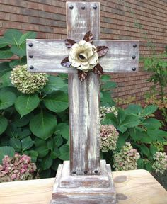Rustic Wooden Cross by MyShepherdsCross on Etsy, $62.00 Wooden Crosses, Crosses Decor, Wall Crosses, Wooden Projects, Wooden Crafts, Diy Projects, Pallet Crafts, Pallet Art, Rustic Signs