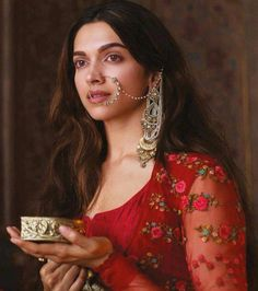Bollywood is going gaga over Bajirao Mastani, and nobody can deny the charm and spell that Mastani has cast over everyone. Here, we are going to discuss Indian Celebrities, Bollywood Celebrities, Bollywood Fashion, Bollywood Actress, Bollywood Style, Bollywood Makeup, Movies Bollywood, Vintage Bollywood, Beautiful Indian Actress