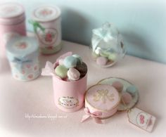 Miniature dollhouses  Macarons tin   .Scale 1.12 by Mundorosa
