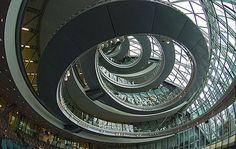 Escaliers de la Mairie de Londres par Norman Foster
