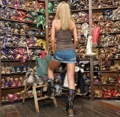 Vull unes Hector... Quiero unas Hector... I want a pair of Hector... ... pleaseeeeeeeeeeeee!!!