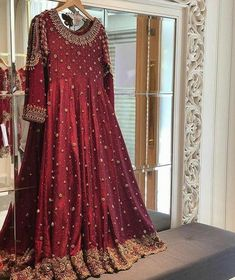 Inbox us to order ✉📬 Contact 📞 📞☎ (WhatsApp ) Can be made in any Color Size Fancy Dress Design, Stylish Dress Designs, Bridal Dress Design, Simple Pakistani Dresses, Pakistani Dress Design, Pakistani Clothing, Pakistani Fashion Party Wear, Pakistani Wedding Dresses, Indian Designer Outfits