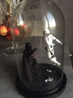 Terrarium Dark Vador - Star Wars Models - Ideas of Star Wars Models Star Wars Birthday, Star Wars Party, Star Wars Zimmer, Decoracion Star Wars, Star Wars Bathroom, Anniversaire Star Wars, Deco Cool, Star Wars Crafts, Star Wars Room