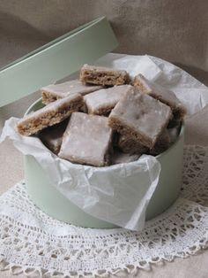 la cuisine d'ici et d'isca: gâteau renversé à la rhubarbe   sucré