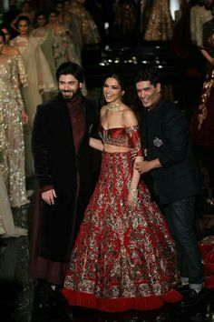 Manish Malhotra opened the India Couture Week Bollywood faces like Deepika, Katrina graced The fashion week in Delhi. Indian Wedding Outfits, Bridal Outfits, Indian Outfits, Lehenga Designs, Churidar Designs, India Fashion, Asian Fashion, Pakistani Dresses, Indian Dresses