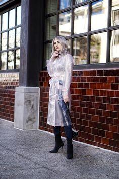 Raincoat Outfit, Pvc Raincoat, Hooded Raincoat, Rain Fashion, Rainy Day Fashion, Stylish Raincoats, Raincoats For Women, Black Sock Boots, Waterproof Coat