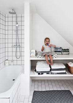 Selv med to små barn og et nylig avsluttet oppussingsprosjekt klarte ikke Simon og Lise å holde seg unna da de fant det vakre, gamle huset rett utenfor København.