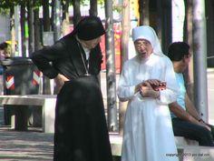 Nuns R Us #people #streetphotopio
