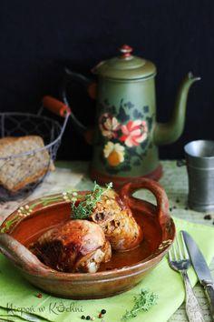Golonka z indyka pieczona z tymiankiem to danie na każdą okazję. Pyszne i mięciutkie mięso, które samo odchodzi od kości. Smaczne, a do tego bardzo zdrowe!