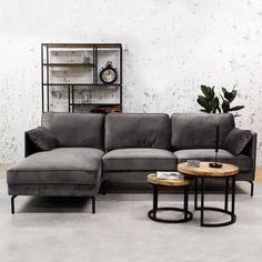 Deze hoekbank links is bekleed met een velvet stof in antraciet en staat op ronde metalen poten. Genoeg plek voor drie personen, ideaal voor kleinere ruimtes en zeer gemakkelijk schoon te maken met de textiel care kit. #bank #hoekbank #couch #sofa #woonkamer #zithoek #living #livingroom #interieurinspiratie #interiorinspiration #woonstyling Deep Sofa, Couch Cushions, Furniture, Sectional Sofa, Deep Loveseat, Couch Decor, Large Sectional Couch, Deep Couch, Deep Seated Couch