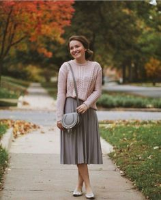 Modest but classy skirt outfits ideas suitable for fall 17