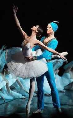 """Polina Semionova and Leonid Sarafanov in """"La Bayadère"""" at Mikhailovsky Theatre / photographer Stas Levshin / Ballet Pictures, Ballet Photos, Dance Pictures, Dance Like No One Is Watching, Just Dance, Polina Semionova, La Bayadere, Ballet Art, Misty Copeland"""