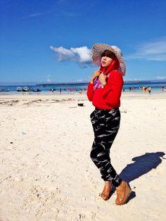 Hijab to beach ke pantai dengan hijab tetap fashion