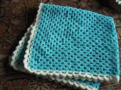 Giant Granny Square, one color, see border. Manta Crochet, Crochet Granny, Crochet Baby, Knit Crochet, Crochet Crafts, One Color, Knitting Projects, Baby Knitting, Crochet Patterns