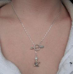 The Hunger Games - Sterling Silver Katniss Mockingjay Pin Archery Necklace with Peeta's Pearl - Lariat