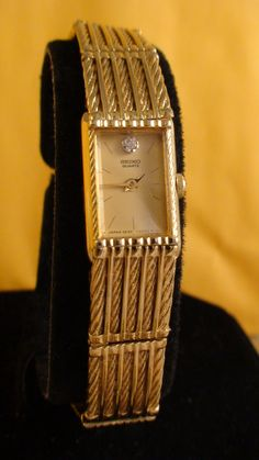 very nice, Ladies Seiko good for a nice evening out :)