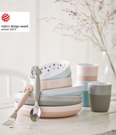 Designed for little hands with great ambitions Yummy+ is an exclusive series of melamine, which features a tiny cup, a small bowl, a little plate and a spoon and fork set. All with anti-slip/easy grip silicone – making your baby's first meals a success.
