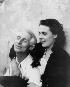 Max Ernst et Leonora Carrington, St Martin d'Ardèche (France), 1939 - photo Lee Miller Max Ernst, Lee Miller, Famous Artists, Great Artists, Artist Art, Artist At Work, Hans Thoma, Dorothea Tanning, Art History