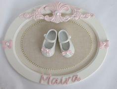 Quadro Sapatinho Menina Porta Maternidade Perola Bebê Oval - R$ 120,00 no MercadoLivre