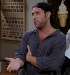 Marc Unger friends joven que roba las cosas de Joey