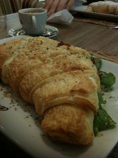 espresso c/ croissant - croasonho - maringá